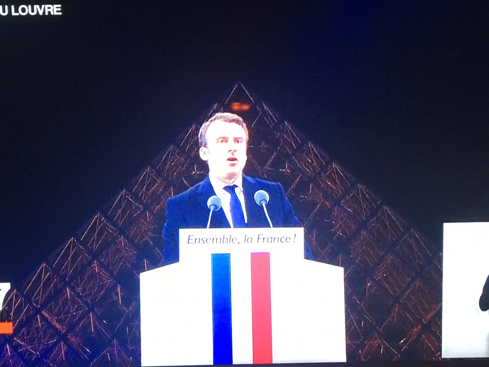 Emmanuel Macron, un pharaon à l'Elysée.